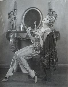 Silent film actress Thalia Barbarova, c. vintage everyday: Beautiful Fashion of the Glamour Vintage, Vintage Beauty, 1920s Glamour, Vintage Vogue, Retro Mode, Mode Vintage, Vintage Ladies, Retro Vintage, Vintage Vanity
