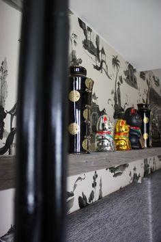 Zimmer China im hotel Träumerei #8  =====  #China #traeumerei #traeumerei8 #hotel #kufstein #austria #tirol #auracherlöchl #romantikhotel #hoteldesign #hotelroom #room #mailand #hoteldecor #uniquedecor #uniquedesign #butiquehotel #riverhotel #besthotel #beautifulhotel Boutique, Bookends, China, Beautiful, Design, Home Decor, Old Town, Remodels, Decoration Home