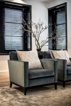 Interior Design Inspirations: How To Get A Luxury Living Room Style Decor Living Room Chairs, Living Room Interior, Home Living Room, Living Room Designs, Living Room Decor, Interior Desing, Interior Design Inspiration, Luxury Interior, Elegant Home Decor