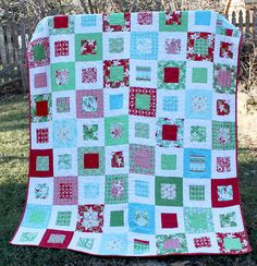 I love this quilt pattern!  I also love the way she pieced the back of it!