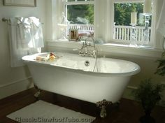 clawfoot tub - Visit: http://www.classicclawfoottubs.com/67-cast-iron-double-ended-clawfoot-tub.html