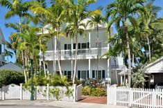 Ocean View Luxury Villa is located in the Truman Annex in Key West, close to Fort Zachary Taylor Beach. You'll also have ocean views from your porch. #views #keywest #oceanview #architecture #tropicaldesign #whitepickets #landscaping #beach Key West Rentals, Luxury Villa, Vacation Villas, Vacation Rentals, Key West Vacations, Gated Community, Classic House, Old Town, Travel Usa