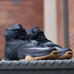100% authentic 161f1 c152f Nike Lebron XIII