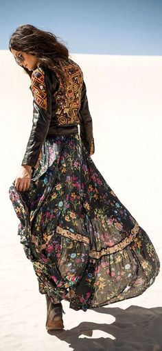 Boho clothes, jewelry and bags have rocked the fashion world. Boho has been immensely popular both with celebrities with masses alike. Let us look over on Boho