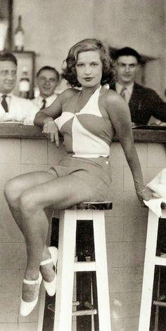 1930s Fashion Lili Damita 1933 Biarritz, France - Photo by the Seeberger Brothers