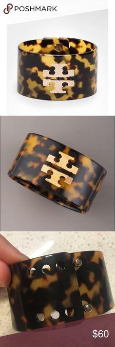 Tortoise Tory Burch Logo Cuff Tory Burch Resin cuff bracelet with gold logo Tory Burch Jewelry Bracelets