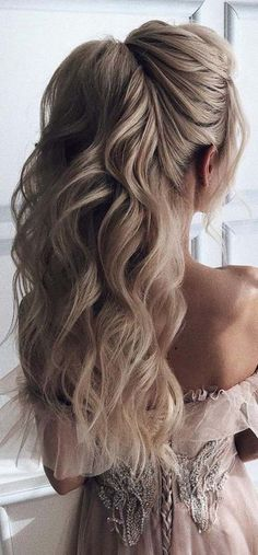 29 Ideas For Wedding Hairstyles For Long Hair Half Up The Bride Updo frisuren haare hair hair long hair short Prom Hairstyles Updos For Long Hair, Prom Updo, Wedding Hairstyles For Long Hair, Wedding Hair And Makeup, Elegant Hairstyles, Diy Wedding Hair, Prom Hairstyles Half Up Half Down, Hairstyles For Weddings, Bridal Half Up Half Down