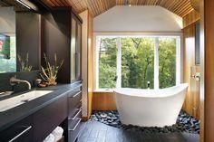 Ванная комната с окном: особенности дизайна и интерьера