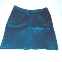 Theory Leather Zip Front Mini Skirt Size 2 Amazing Theory Leather Zip Front Mini Skirt Size 2 in black! Great staple item! Can be worn with zipper in the back as well. Perfect condition. Elastic waist band. Theory Other
