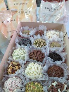 Brigadeiros confeccionados ,com a mais alta qualidade de produtos, utilizando chocolate Belga em sua preparação. R$1,80