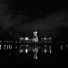 #lake #dark #night #retiro #park #madrid Estanque del Retiro