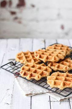 Crispy flourless oatmeal waffles (vegan, gluten free & refined sugar free) | nm_meiyee