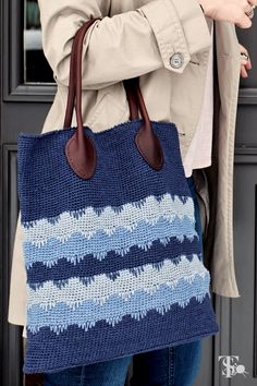 "This handbag is amazing, pick your colors, the pattern is in ""Classic Crochet the Modern Way"" by Tove Fevang. Crochet Hook Case, Trafalgar Square, Crochet Books, Tunisian Crochet, Book Crafts, Fiber Art, Crocheting, Ted, Crochet Patterns"
