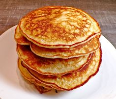 Save loads of sodium mg with these delicioulsly light, fluffy, and golden brown crisp edged low-sodium Buttermilk Pancakes. Low Salt Recipes, Low Sodium Recipes, Cooking Recipes, Diet Recipes, Pancakes Easy, Buttermilk Pancakes, Healthy Heart, Heart Healthy Recipes, Breakfast Dishes