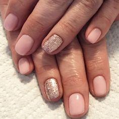 Bubble bath pink and champagne glitter. Glitter nails. Pink nails. Gel nails. Short nails. Spring nails. Natural nails.