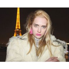 Volviendo a los inicios de #onebook este domingo invernal   Buena semana para todos!! PHOTO @paolavelasquezdiaz STYLE #isabelfelmer & @paolavelasquezdiaz MAKE UP & HAIR #alejandrafelmer MODEL #nikoletta for @slidesmodelsparis LOCATION #paris #magazine #fashionmagazine #revista #moda #fashioneditorial #fashionphotography #photography #fotografía #invierno #winter #winteriscoming #falledition #france  via ONE BOOK MAGAZINE OFFICIAL INSTAGRAM - Celebrity  Fashion  Haute Couture  Advertising…