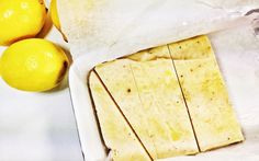 <p>You won't believe that this tasty lemon cheesecake is only made with five ingredients! What the what?</p>