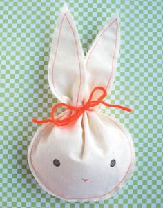 DIY fabric bunny treat bag #Easter