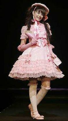 Lolita in catwalk on Individual Fashion Expo IV, Tokyo