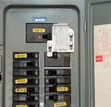 [orginial_title] – Gary Beauchamp Easy Generator to Home Hook Up Emergency Preparedness – How to Run a Generator From a Breaker Panel – this is an awesome tutorial – via Instructables Emergency Preparedness Plan, Emergency Power, Emergency Preparation, Survival Kits, Survival Prepping, Home Electrical Wiring, Electrical Projects, Electrical Outlets, Electrical Engineering