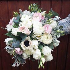 "14 To se mi líbí, 1 komentářů – kvetiny_daniela brozova (@kvetiny_danielabrozova) na Instagramu: ""#flowers #bouquet #wedding #tulips #ranunculus #anemone #eucalyptus #eustoma #beautiful #white #pink"" Wedding Tulips, Bouquet Wedding, Ranunculus, Floral Wreath, Wreaths, Flowers, Pink, Wedding Ideas, Beautiful"