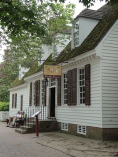 Shields Tavern, Colonial Williamsburg, Virginia Williamsburg, one of Charlie's fav vaca spots! Colonial Williamsburg Va, Williamsburg Virginia, Washington Dc Travel, Washington State, Virginia Is For Lovers, Colonial America, Historic Homes, Old Houses, Architecture