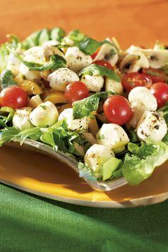 K-ruoasta löydät yli 7000 testattua Pirkka reseptiä sekä ajankohtaisia ja asiantuntevia vinkkejä arjen ruoanlaittoon, juhlien järjestämiseen ja sesongin ruokaherkkujen valmistukseen. Tutustu myös Pirkka- ja K-Menu-tuotteisiin. Mitä tänään syötäisiin? -ohjelman jaksot Pirkka resepteineen löydät K-Ruoka.fistä. Ketogenic Recipes, Diet Recipes, Vegan Recipes, Cooking Recipes, Good Food, Yummy Food, Baking Party, Bon Appetit, Healthy Life