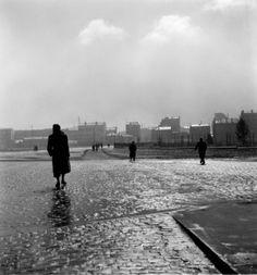 Porte de Montrouge hiver 1949 |¤ Robert Doisneau | 7 janvier 2016 | Atelier Robert Doisneau | Site officiel