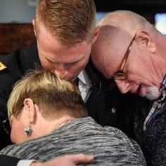 Soldier surprises parents by coming home unannounced  http://a.msn.com/r/2/AAnkjoS