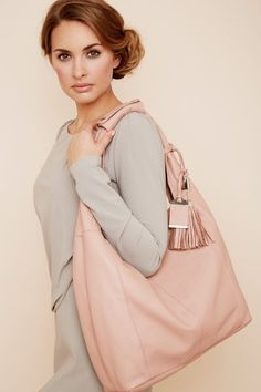 Tasche Maxima in nude von knights & roses.  www.knightsandroses.com