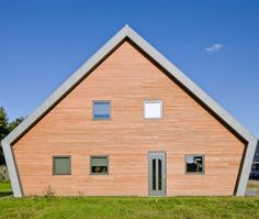 Private house, Zuidlaren (Netherlands) by Architectenbureau Houtenhûs  #SustainableBuilding #wood #Netherlands #zinc #QuartzZinc #roofing