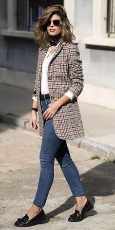what to wear with a plaid blazer : skinny jeans + loafers + white shirt