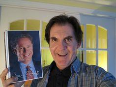 Par Bernard Bujold (LeStudio1.com) - L'autobiographie de Jean Charest écrite avant l'élection provinciale de 1998 est un livre très captivant.  L'ouvrage est évidemment épuisé mais si j'étais conseiller du Premier ministre, j'en ferais imprimer une réédition pour la prochaine élection...  L'ouvrage décrit assez bien le caractère de Jean Charest et l'autobiographie est un livre à lire pour ceux qui veulent vraiment connaître Jean Charest, alliés comme adversaires!