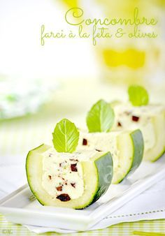 Cucumber stuffed with Feta, basil and olives. Scroll down for recipe in English. Concombre farci à la feta & olives - Alter Gusto Fingers Food, Cooking Recipes, Healthy Recipes, Snacks, Appetisers, Antipasto, Creative Food, Food Presentation, Food Design