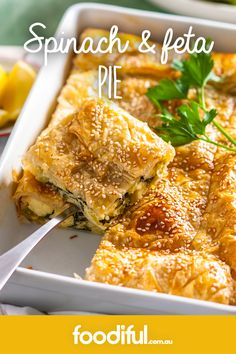 Hearty and filling, this delicious pie is guaranteed to be a crowd-pleaser. Greek Recipes, Fish Recipes, Veggie Pie Recipes, Recipies, Quiche Recipes, Vegetarian Recipes, Cooking Recipes, Healthy Recipes, Vegetarian Sweets