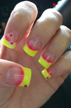 Creative Yet Cute Yellow Nail Art Designs Neon Nails, Diy Nails, Cute Nails, Pretty Nails, Bright Nails, Nail Art Designs, Fingernail Designs, Paint Designs, Nails Design
