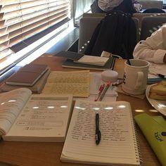 Vie Motivation, Study Motivation, Study Desk, Study Space, Study Pictures, Study Organization, School Study Tips, Study Hard, School Notes