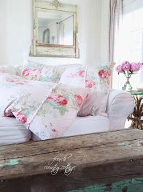 Friday Favorites a beautiful charming floral duvet - French Country Cottage Rose Cottage, Shabby Cottage, Shabby Chic Homes, Shabby Chic Style, Shabby Chic Decor, French Country Cottage, Country Chic, Cottage Style, Country Decor