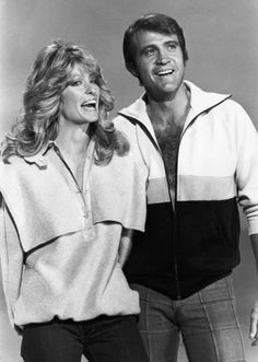 News Photo : Farrah Fawcett and her husband Lee Majors appear. Celebrity Couples, Celebrity Weddings, Celebrity Photos, Farrah Fawcett, Lee Majors, Celebrity Photography, Movie Couples, Comedy Tv, Handsome Actors