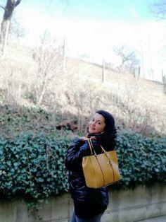 Big Yellow Bag, Pink Fluffy Jacket, Yellow Handbag, Puffy Jacket, My Black, Small Bags, Mini Bag, New Outfits, Baseball Cap