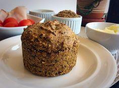 Hlepcici sa semenkama -1/2 šolje heljdinog brašna 2 kašike suncokreta 2 kašike bundevinog semena (golice) 2 kašike susama 2 kašike lana 1 puna kašičica psilijuma 1 puna kašičica praška za pecivo 1/2 kašičice soli 2/3 čaše kisele vode 1 kašika maslinovog ulja * mera je plastična čaša od kiselog mleka