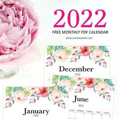 Grab lovely floral 2022 calendars in free printable PDF! #freeprintable #2022 #freecalendar #calendar2022 Free Printable Calendar, Pdf Calendar, Free Printables, Word Family Activities, 2021 Calendar, Invitations, Organization, Florals, Crafts