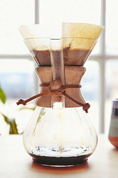 beautiful glass coffee maker  http://rstyle.me/n/spax2pdpe