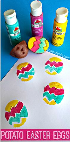 These 25 colorful, fun and DIY Easy Easter Craft Projects are sure to be a hit with crafters of all ages. Egg Stamp, Potato Stamp, Diy Ostern, Diy And Crafts Sewing, Easter Activities, Easter Crafts For Kids, Holiday Crafts, Bunt, Easter Eggs