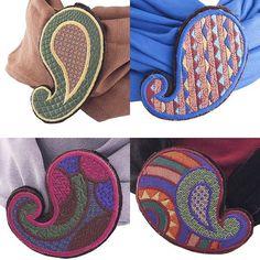 Внимание к деталям. Съемные броши для шарфов с вышивкой по авторскому эскизу. Можно комбинировать с любыми шарфами или снять. #lecoffre #аксессуары #шарф #женскийшарф #бижутерия #дизайнерскийшарф #дизайнерскаябижутерия #бижутерияручнойработы