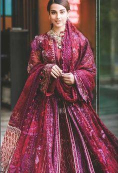 Desi Wedding Dresses, Indian Wedding Outfits, Bridal Outfits, Wedding Attire, Pakistani Dresses Casual, Pakistani Bridal Dresses, Pakistani Dress Design, Stylish Dresses For Girls, Stylish Dress Designs