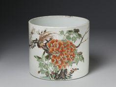 Brush pot, porcelain painted in overglaze enamels of the famille verte palette, China (Jingdezhen), Qing dynasty
