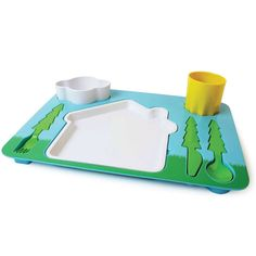 Feeding kids can be an adventure. With landscape dinner set children have fun while they learn how to set the table. Each utensil fits in the designed place on the tray. Now meal-time can be both fun and educational at the same time. Little People, Little Ones, Dinner Set Design, Store Concept, Design3000, Table Design, Utensil Set, Dinner Sets, Dinner Ware