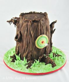Remeber this for another party, perhaps with an archery theme! Robbin hood party theme.  great party inspirations