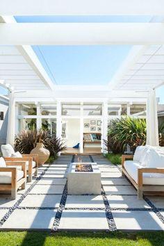 Modern white patio Decks, Contemporary Patio, Modern Deck, Modern Patio Design, Modern Outdoor Living, Backyard Patio Designs, Patio Ideas, Landscaping Ideas, Backyard Landscaping